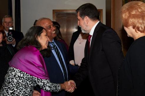 Посол Сербии Славенко Терзич приветствует гостей, 15 февраля 2018 года