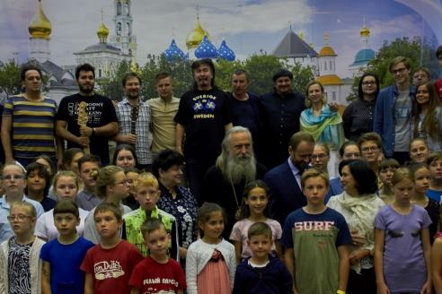 Архиепископ Сергиево-Посадский Феогност на концерте с участниками хора