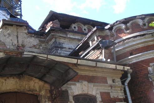 Церковь Воскресения Христова на Камской улице до реставрации