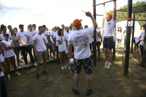 Участники Всероссийского молодежного форума «Селигер 2014» показали готовность к труду и обороне. 2014 г.