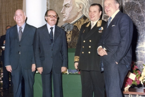 С министром иностранных дел Венесуэлы Симоном Консальви и писателем Мигелем Отеро Сильва