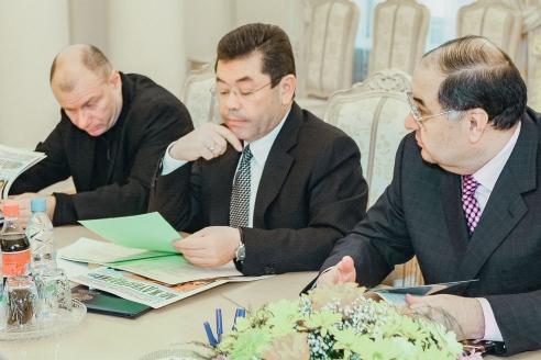 Основатели первого в России эндаумента – Фонда развития МГИМО: В.О. Потанин, Ф.К. Шодиев, А.Б. Усманов