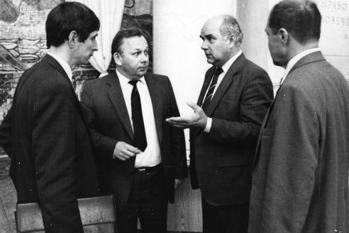 На партконференции в МГУ с И. Мельниковым. 1989 г.