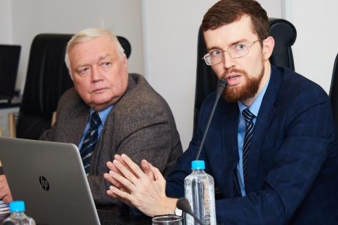 И. Николайчук и Е. Иванов