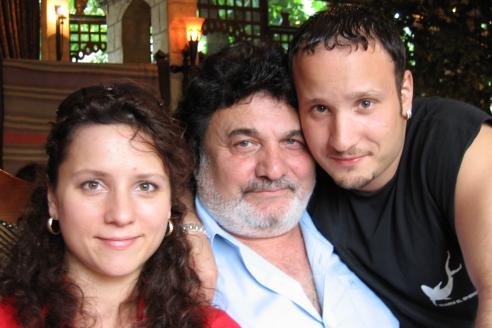 С дочерью Кариной и сыном Артуром Багдасаровыми