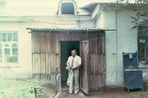 Дом, в котором родился. Посёлок Муйнак. 1990 г.