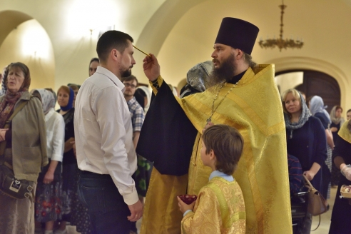 Праздник первоверховных апостолов Петра и Павла: всенощное бдение и Божественная литургия