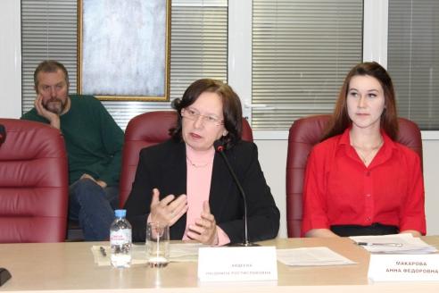 Представители МГУ Людмила Авдеева и Анна Макарова, 6 декабря 2017 года