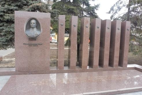 Обелиск на месте последнего боя Лизюкова