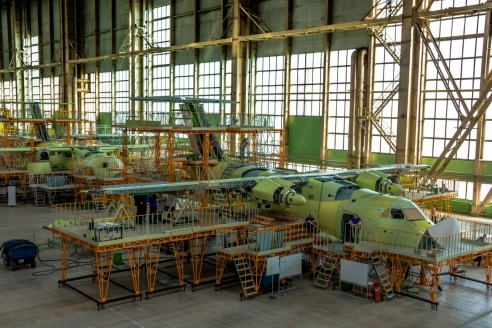 Сборка нового военного транспортного самолёта Ил-112В