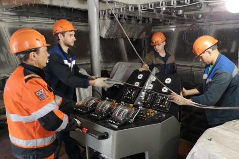 Загрузка навигационного оборудования на ледокол «Арктика»