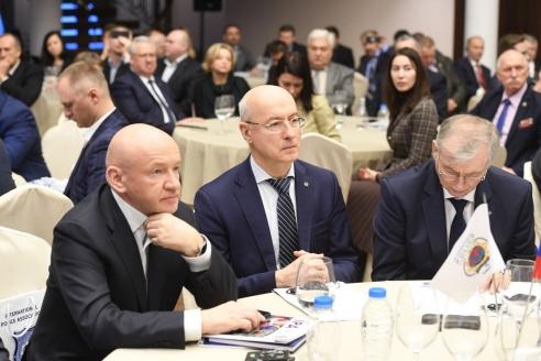 В. Платонов, А. Рыбас, Н. Попов
