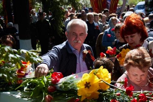Возложение цветов, деревня Путилкино, 9 мая 2018 года