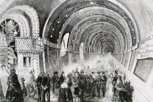 Тоннель под Темзой до 1869 года использовался как пешеходный