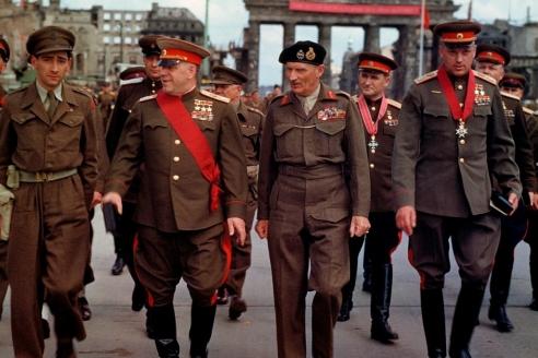 Г. Жуков и К. Рокоссовский в Берлине