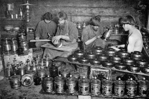Окрашивание деревянной посуды. Нижегородская губерния. 1896 г.