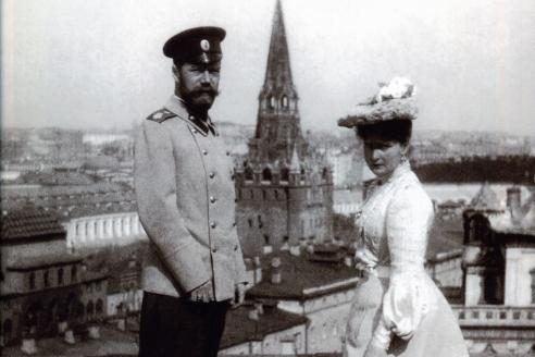 Император Николай II и Императрица Александра Феодоровна на крыше Большого Кремлёвского Дворца. Москва. 1903 г.