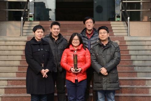 Сотрудники газеты «Чжанцзян Жибао» стали авторами книги «Орлы над Уханем»