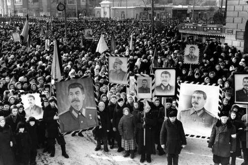 На похоронах И. Сталина