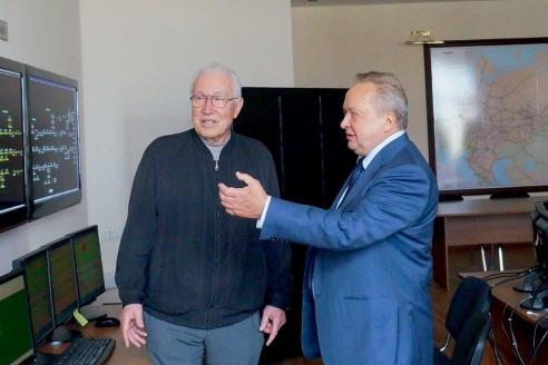 Академик РАН Н. Кузнецов и В. Матюхин на технологическом полигоне