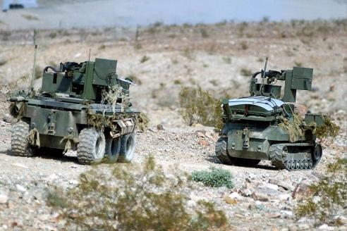 Радиоуправляемый боевой робот Gladiator TUGV. США