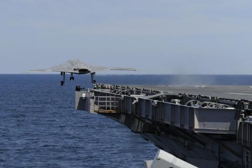 Палубный БЛА X-47B. Разработан Northrop Grumman. США