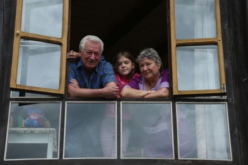 А. Ливанов с супругой Ларисой и внучкой Катей. 2015 г.