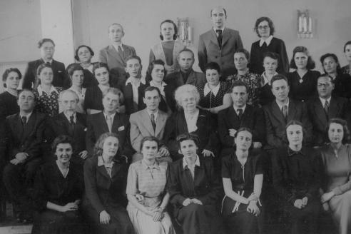 Выпускники и педагоги фортепианного факультета. 1950 г.