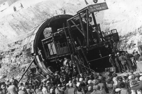 Северомуйский тоннель в период строительства