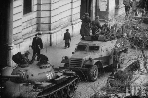 Советские войска на улицах  Будапешта