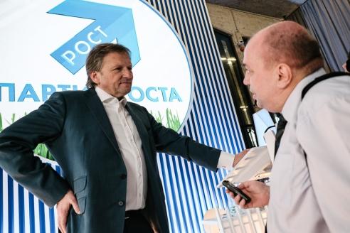 Уполномоченный при Президенте России по защите прав предпринимателей Б.Ю.Титов и корреспондент МР Д.А.Сурмило, 4 июля 2016 года