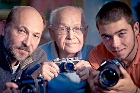 Династия  кинооператоров:  Махмуд Рафиков  с сыном Маратом и внуком Дмитрием