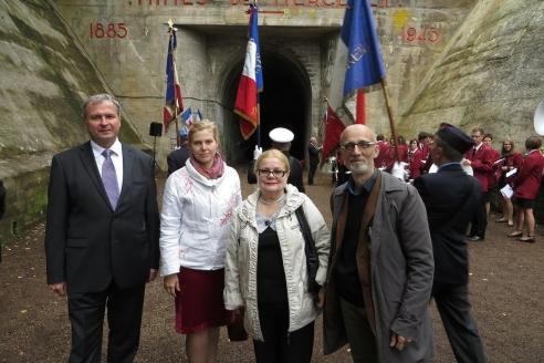 Торжественный митинг 8 мая, посвящённый освобождению Франции от фашизма. г. Тиль. Вход в шахту