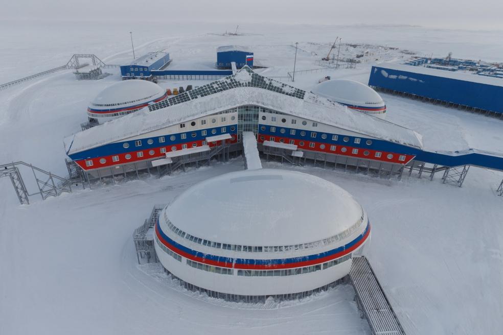 Административно-жилой комплекс «Арктический трилистник» на острове Земля Александры