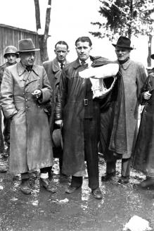 Вернер фон Браун после сдачи в плен союзникам в мае 1945 г.
