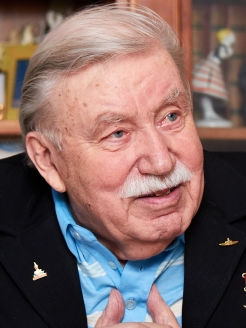 Герой Советского Союза вице-адмирал Р.А. Голосов