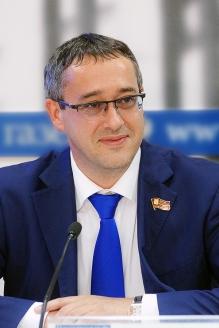 Председатель  Мосгордумы А. В. Шапошников  в видеоцентре  Общественного  штаба по  наблюдению  за выборами  муниципальных  депутатов