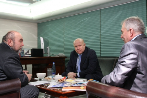 """В.П. Шанцев в редакции журнала """"Мужская работа"""", январь 2013 г."""