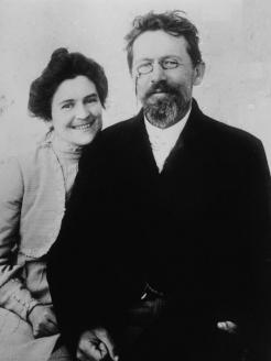 Писатель А.П. Чехов и его жена – актриса О.Л. Книппер-Чехова. 1901 г.