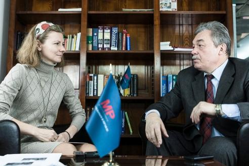 Секретарь Союза журналистов Москвы Виктор Черёмухин с главным редактором МР Дарьей Живихиной