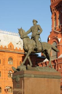 Памятник маршалу Г.К. Жукову на Манежной площади в Москве
