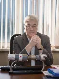 Ю. Батурин – автор первого в СССР/России фундаментального исследования по компьютерному праву