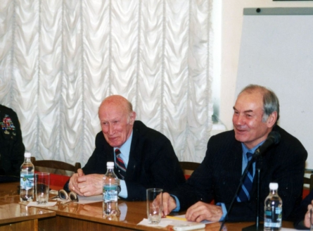 Ю.И. Дроздов и Л.Ивашов