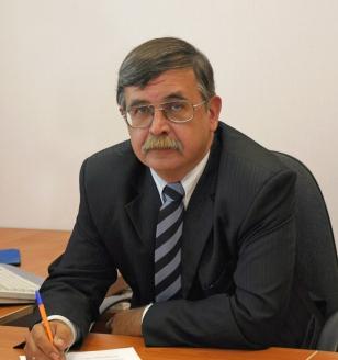 Александр Борисович Железняков — российский специалист, руководитель работ в области создания ракетно-космической техники, писатель, журналист