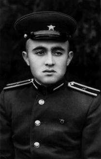 Акчурин Р.С. - курсант 1 курса Прибалтийского зенитного артиллерийского училища ПВО