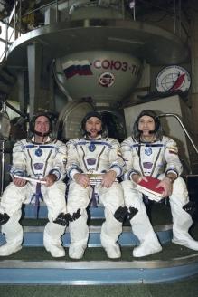 "Ю. Батурин на борту космического корабля ""Союз ТМ-28"""