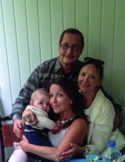 С семьёй: женой Надеждой, дочерью Екатериной и внуком Петром